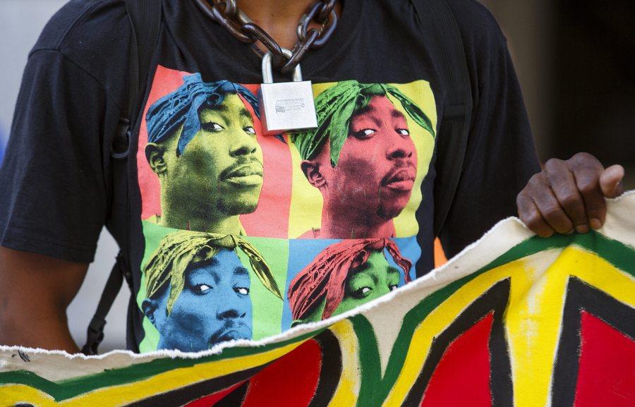 Τ-Shirt με τον ράπερ Tupac Shakur