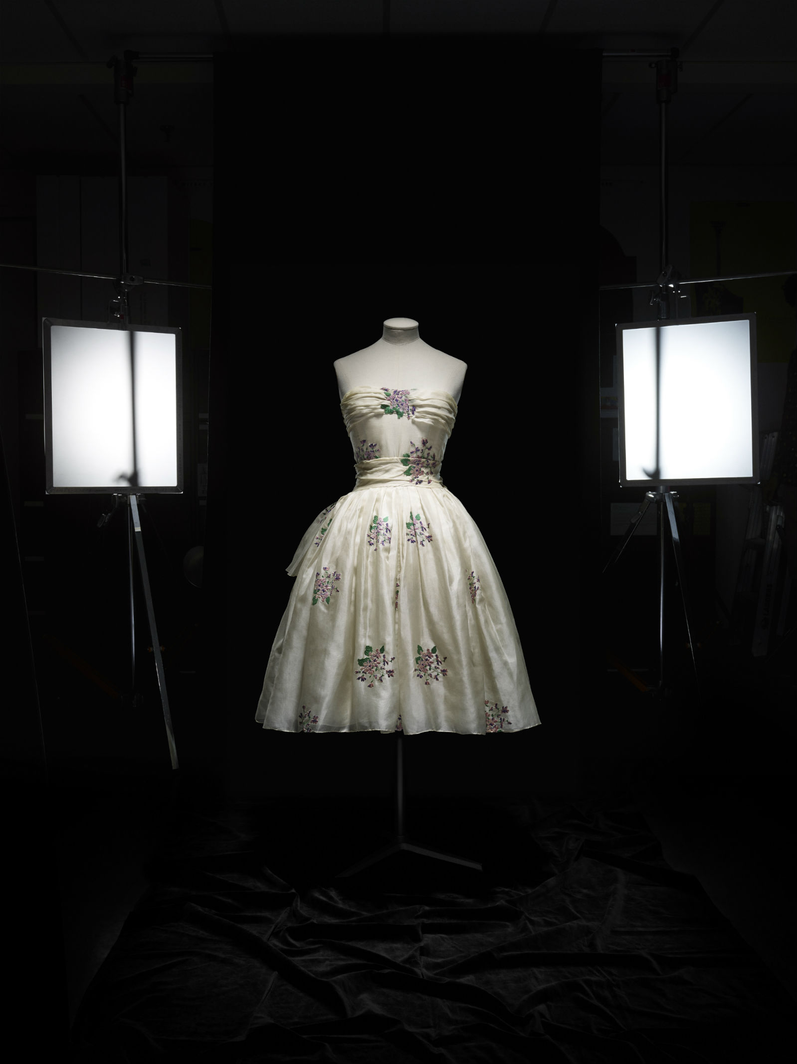 Christian Dior (1905–57), Avril, Dress, Haute Couture, SpringSummer 1955, A Line. Photo © Laziz Hamani. Dior Héritage collection, Paris